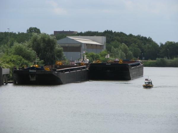 2010 Cuijk, peilen industriehaven